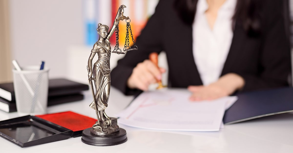 Highest-Paid-Types-of-Lawyers-Which-Field-of-Law-is-Best-for-Paying-Off-Student-Loans.jpg